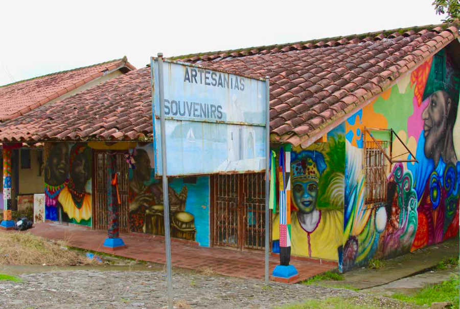 Street art in Portobelo, Panama | All Rights Reserved by PANAMAEXPATINFO.COM